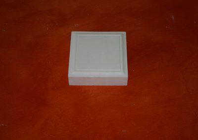 BB/060 15x15x4,5 cm.